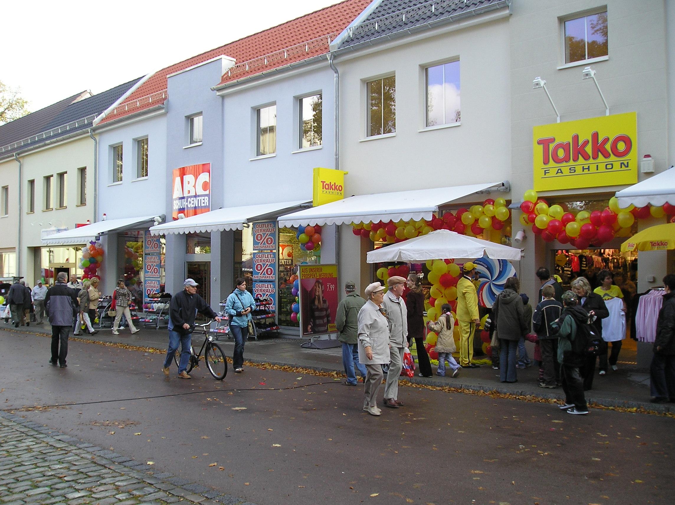 Fachmarktzentrum Bernburg De Hunnenschans Beheer B.V.