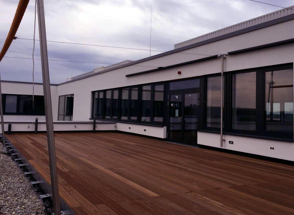 Dachterrasse Bürogebäude Erlangen