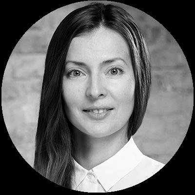 Ksenia manuylova round bw