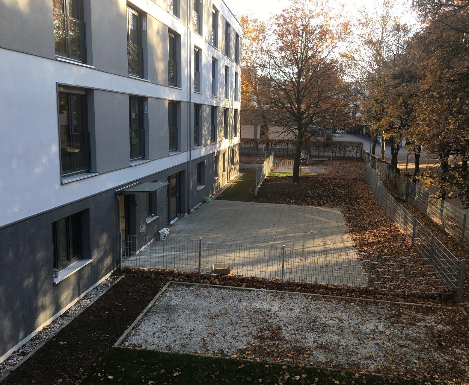 Hof des Pflegezentrums PerlachStift