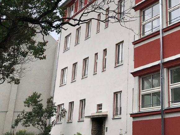 Straßenfassade Haus 5