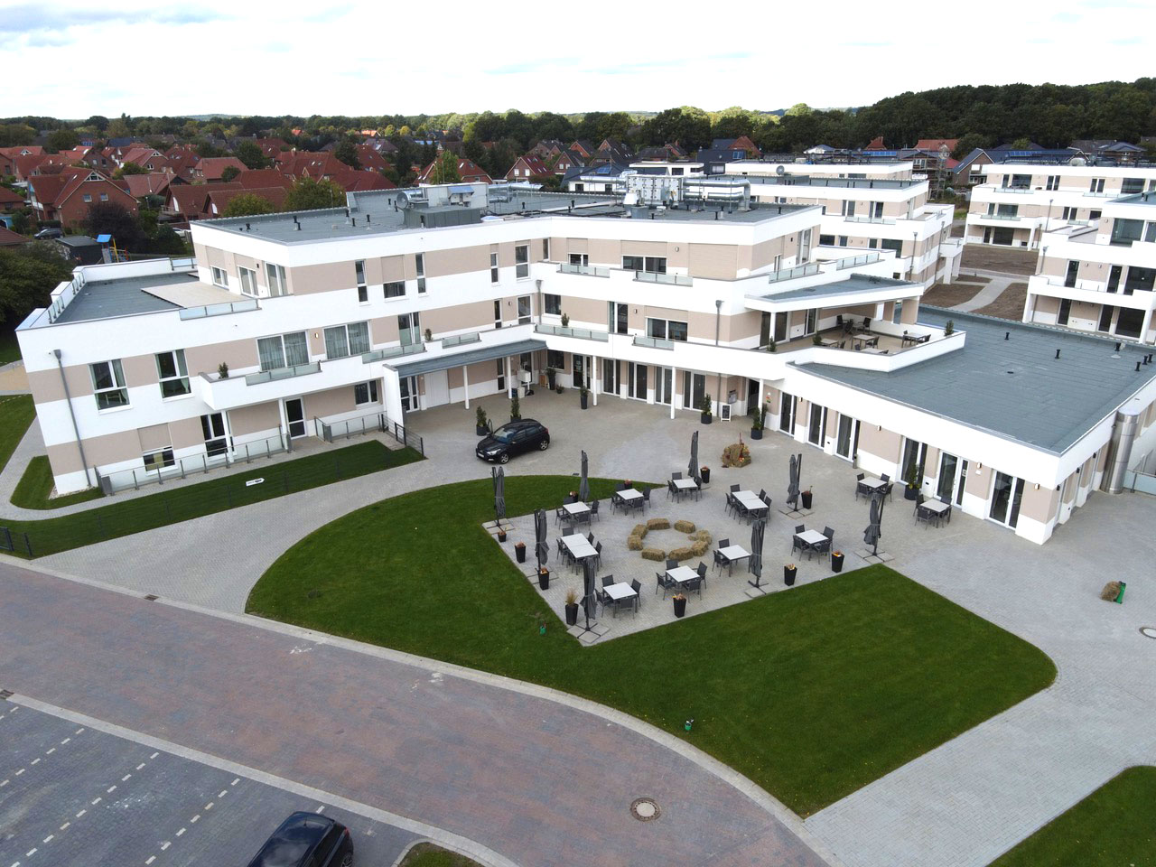 Fertiges Hauptgebäude Quartier Am Golfplatz