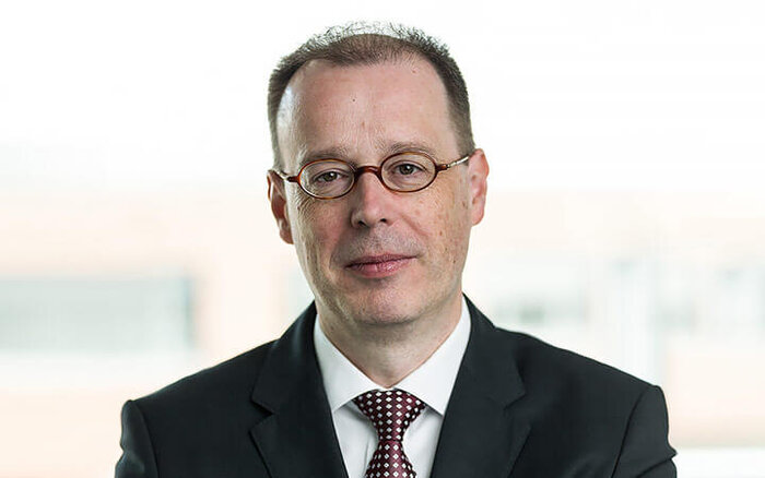 Dr. Albert Tillmann